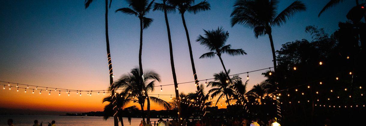 Festa sera spiaggia luci